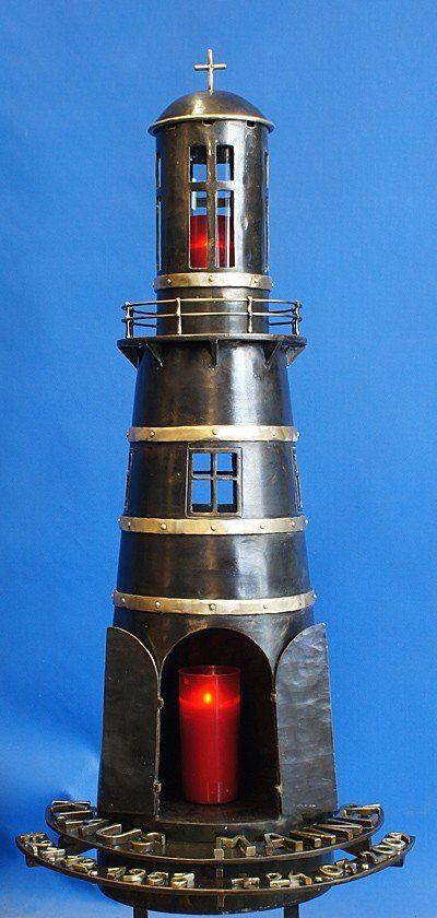 Leuchturm aus Schmiedebronze als Grabzeichen
