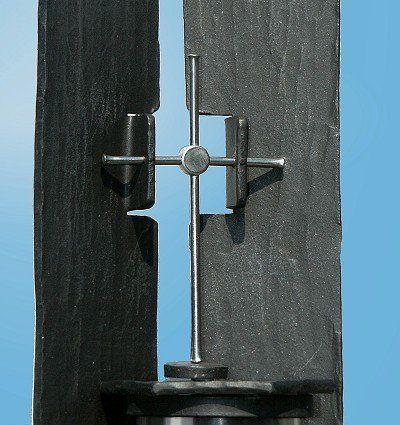 Grabstele aus Stahl und Edelstahl - Detail