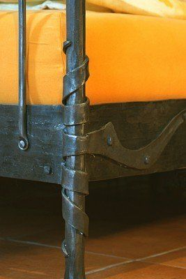 Bett aus Stahl geschmiedet - Detail