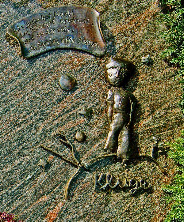 Kleiner Prinz als Grabdenkmal - Detail