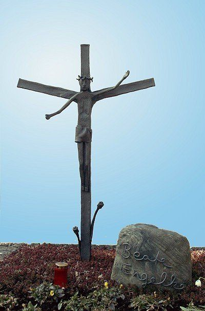Grabkreuz aus Stahl geschmiedet