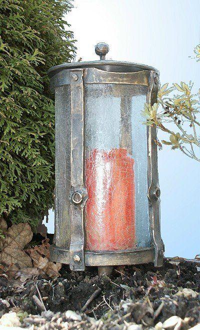 Glablicht - Grableuchte aus Schmiedebronzegeschmiedet