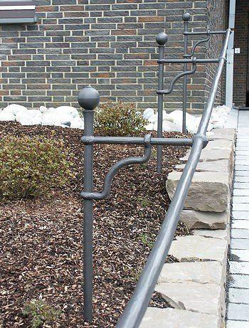 Grabkreuz aus Stahl geschmiedet - Detail - Detail
