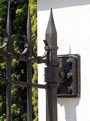 Geschmiedetes Einfahrtstor - Tor aus Stahl gefertigt- Gartentor - verstellbarer Drehpunkt