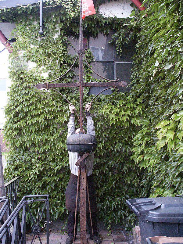 Soest, Meiningsen; altes Turmkreuz