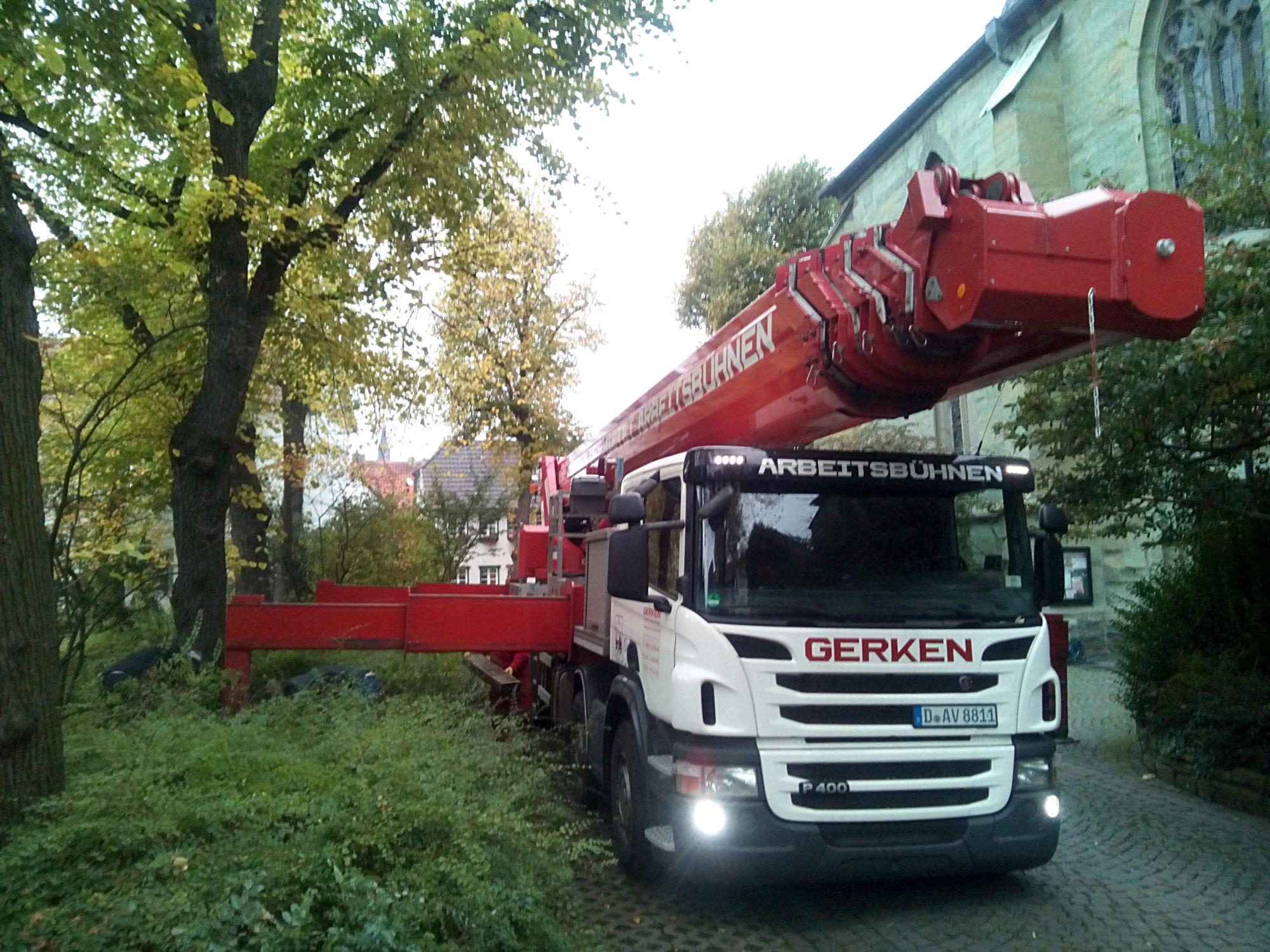 Arbeitsbühne der Fa Gerken - Arbeitshöhe: ca 70m